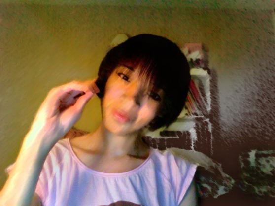 Hi. I'm racially confused. (!얼마나 귀여운 보십시오! ulzzang??!?)
